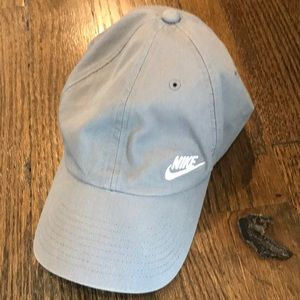 NIKe Womens Grey Cap